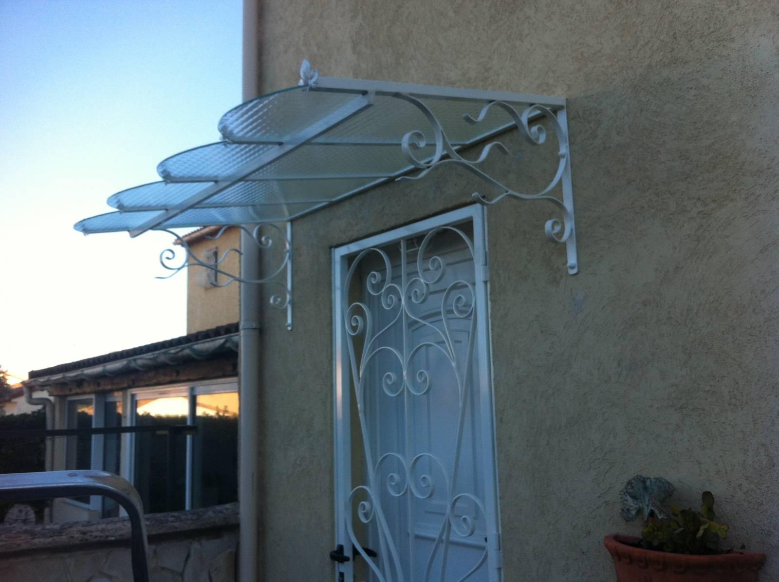 marquise en acier pour porte d 39 entr e avec verre arm e la couronne bouches du rhone. Black Bedroom Furniture Sets. Home Design Ideas