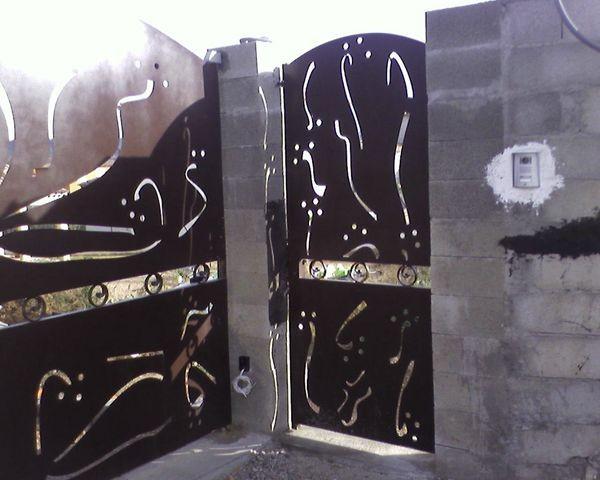 Assez Décoration de portail avec Tole et découpe laser personnalisée aix  TJ39