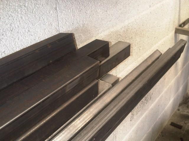 fabriquer son portail en acier et en bois bouches du rhone. Black Bedroom Furniture Sets. Home Design Ideas
