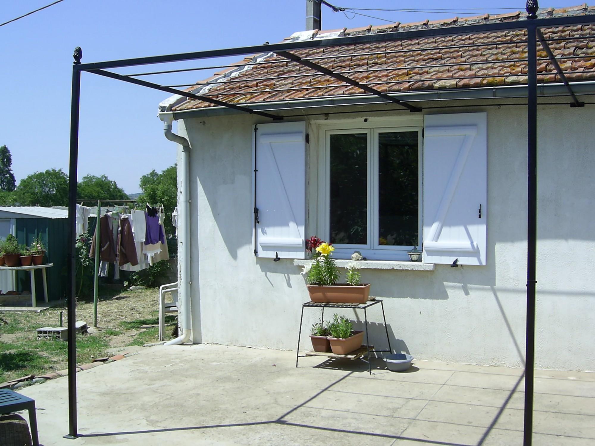 abris de terrasse vitrolles petits budgets ferronnerie. Black Bedroom Furniture Sets. Home Design Ideas