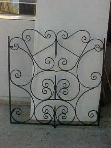fabrication de grilles de d fense sur mesure aix en provence ferronnerie globe. Black Bedroom Furniture Sets. Home Design Ideas
